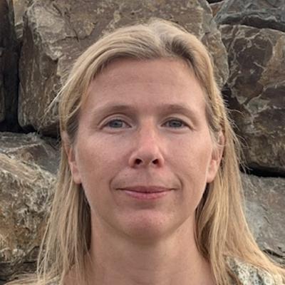 Dr Janssen Karen